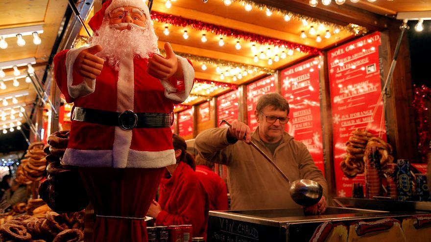 Fransa: Strazburg saldırısının ardından Noel pazarı tekrar açıldı