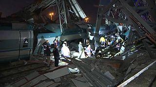 Turchia: scontro tra treni, morti e feriti