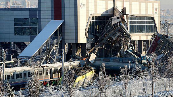 برخورد دو قطار سریعالسیر در آنکارا ۷ کشته و بیش از ۴۰ زخمی بر جای گذاشت