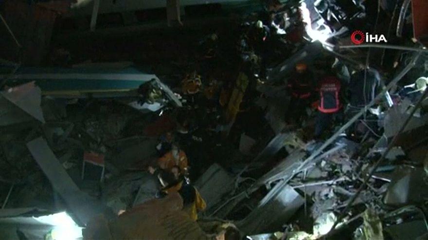حادث اصطدام قطار سريع في أنقرة يسفر عن تسعة قتلى وعشرات الجرجى