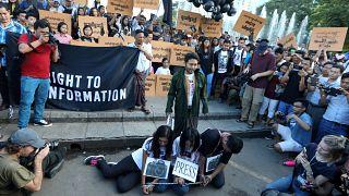251 δημοσιογράφοι παραμένουν φυλακισμένοι