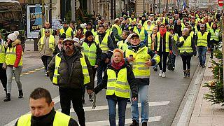 درخواست دولتمردان فرانسه از جلیقه زردها: اعتراضات را تمام کنید