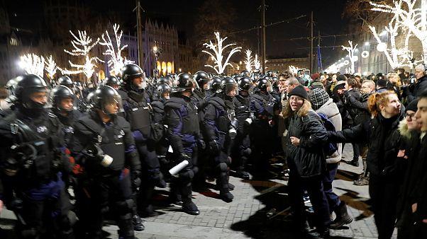 """Hongrie : manifestation contre la """"loi de l'esclavage"""""""