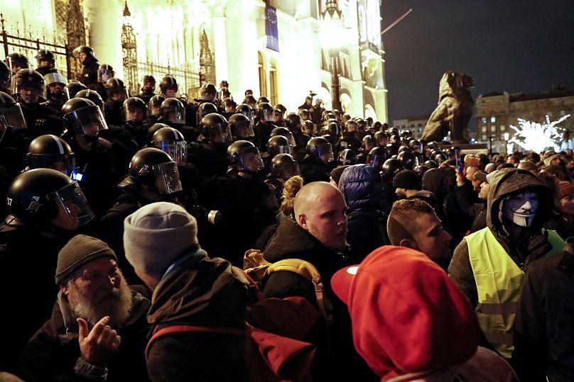 Tercera jornada de protestas en Budapest contra polémica ley laboral