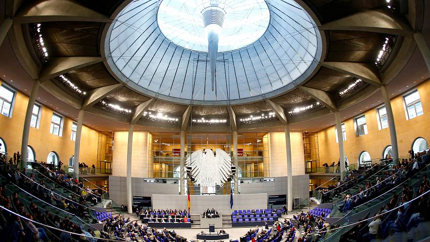 Umstrittenes Abtreibungs-Werbeverbot im Bundestag diskutiert