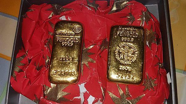 Secret samaritan Santa donates gold bars to local German nonprofits