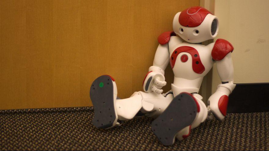 ربات معرفی شده در تلویزیون دولتی روسیه «آدم» از آب درآمد