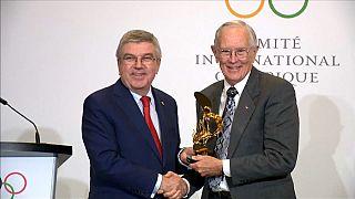 Βραβεύθηκε από τη ΔΟΕ ο πρώτος «ολυμπιονίκης στο φεγγάρι»