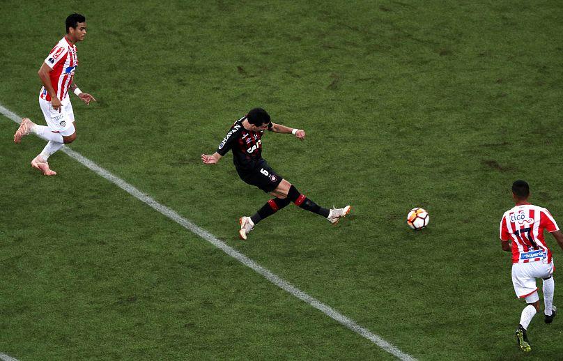 REUTERS/Paulo Whitaker