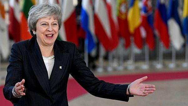 ماي في بروكسل لطلب المساعدة من القادة الأوروبيين.. فهل تحصل عليها؟