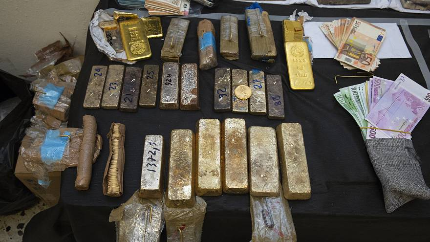 Ελεύθεροι οι οκτώ για την υπόθεση χρυσού