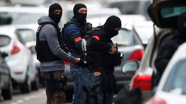 الشرطة الفرنسية تنفذ عملية في حي نودورف بحثا عن المشتبه بتنفيذه هجوم ستراسبورغ