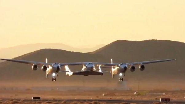 VİDEO | Uzay turizminde dönüm noktası: Virgin Galactic test uçuşunda başarılı oldu