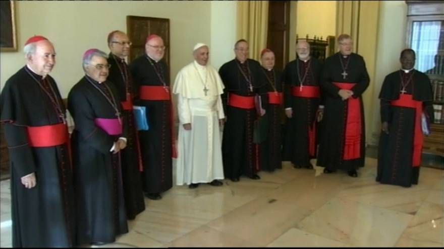 El papa prescinde de Pell y Errázuriz por los escándalos de pederastia