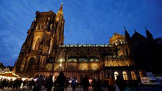 Mercado de Natal de Estrasburgo reabre esta sexta-feira
