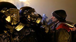 """مواجهات ليلية بين الشرطة المجرية وبين متظاهرين ضد """"قانون العبودية"""""""