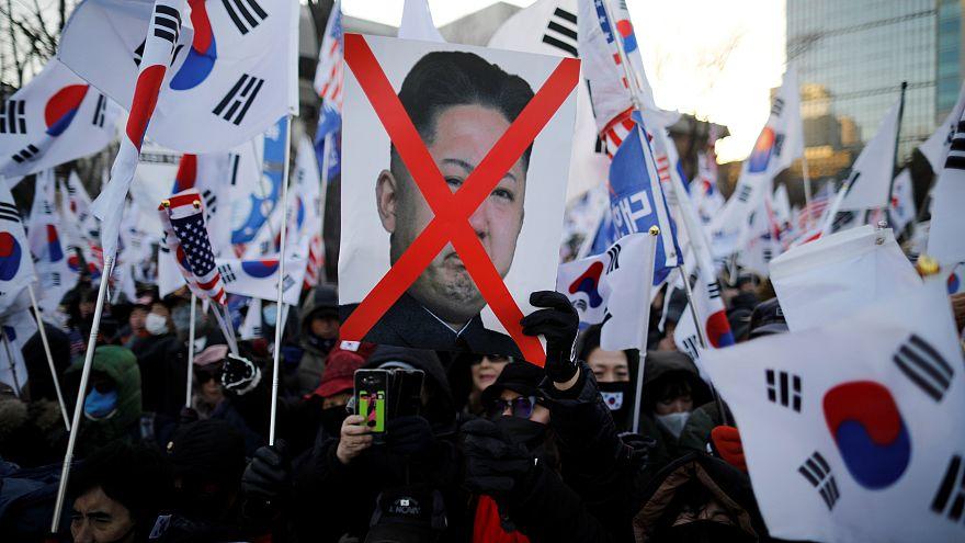 Kuzey Kore lideri Kim'in Güney Kore'yi ziyaret etme olasılığı halkı sokağa döktü