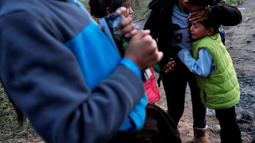 Una migrante de siete años muere deshidratada bajo custodia en Estados Unidos