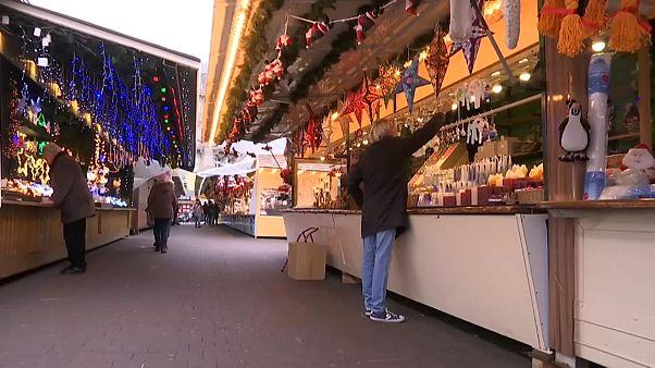 Στρασβούργο: Άνοιξε και πάλι η χριστουγεννιάτικη αγορά