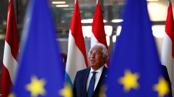 """Cimeira da UE dedica-se ao Euro depois da """"nega"""" sobre Brexit"""