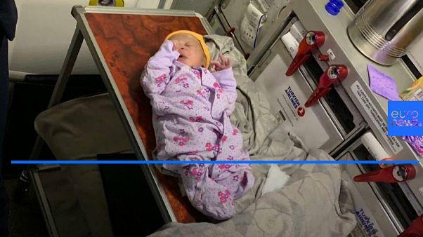 Woman gives birth at 42,000 feet
