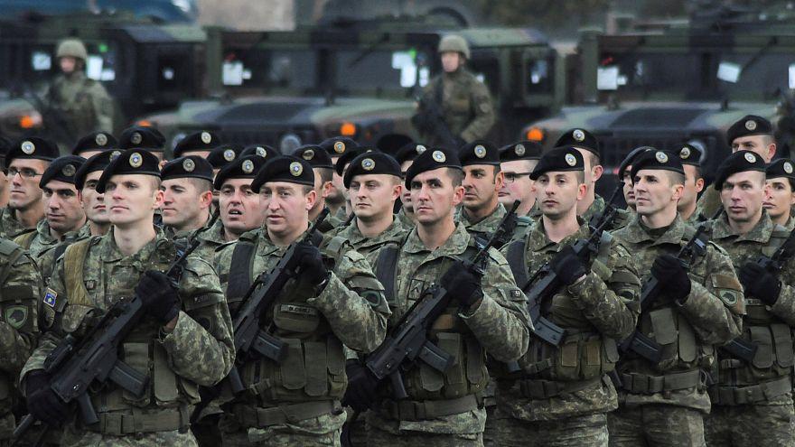 Kosova düzenli orduyu onayladı