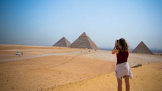 Ärger in Ägypten: Dänen nackt auf der Pyramide von Gizeh?