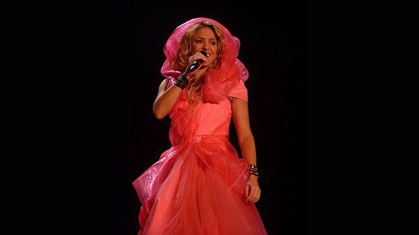 اتهام المغنية شاكيرا بالتهرب الضريبي في إسبانيا