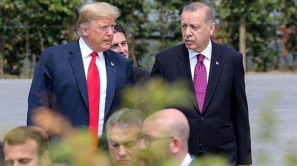 ترامب وإردوغان يناقشان الوضع بشمال سوريا في اتصال هاتفي