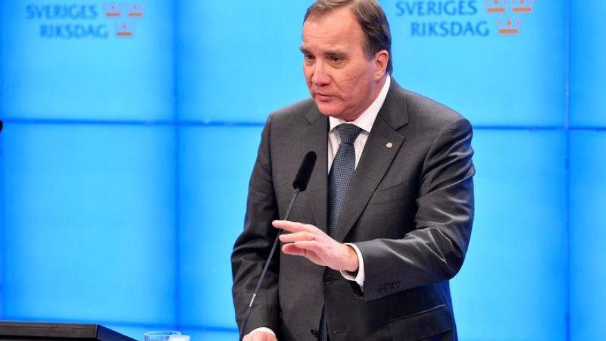 Шведы опять остались без премьера