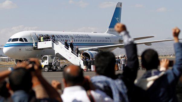 وفد الحوثيين في محادثات اليمن بالسويد يعود إلى صنعاء