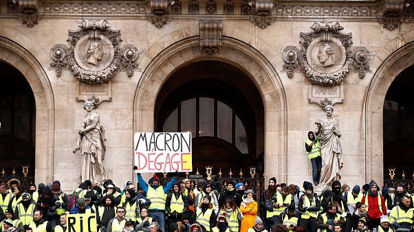 جلیقه زردها در پنجمین شنبه اعتراضی؛ پلیس فرانسه ۸۷ نفر را بازداشت کرد