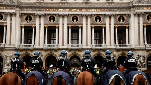 """مظاهرات السترات الصفراء في باريس.. """"كلاكيت"""" خامس مرة"""