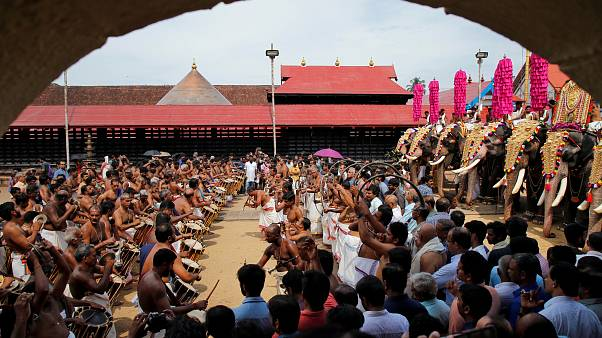 Hindu tapınağında verilen yemek sonrası 11 ölü