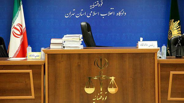 صدور کیفرخواست برای نسرین ستوده؛ وکیل «دختران خیابان انقلاب» به دادگاه میرود