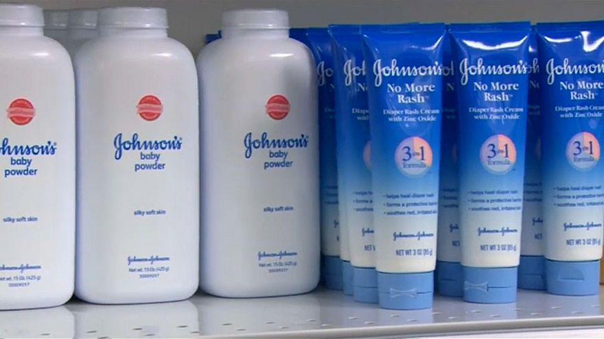تقرير: مادة الأسبستوس المسرطنة في بودرة جونسون أند جونسون للأطفال والشركة تنفي