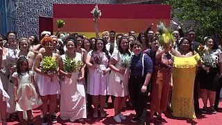 Brasilien: Schwul-lesbische Massenhochzeit gegen Bolsonaro