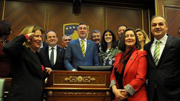 Kosova düzenli ordu kararının ardından Sırbistan'la müzakere için komisyon kurdu