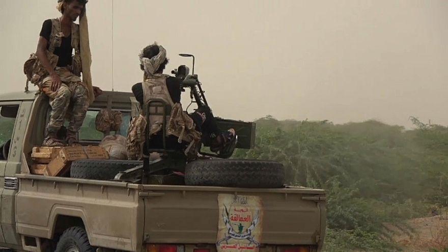Elhalasztják a tűzszünetet Jemenben