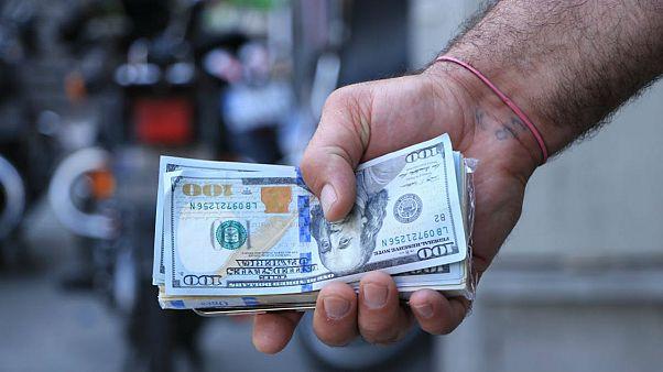 ارز، سکه و طلا در سراشیبی؛ دلار به زیر ده هزار تومان رسید
