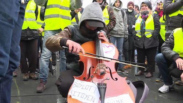 Mehr Polizisten als Gelbwesten: Frankreichs Bewegung vor möglichem Ende