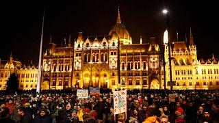 """Proteste gegen """"Sklavengesetz"""" in Ungarn"""