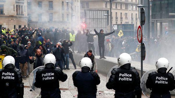 Protestos nacionalistas em Bruxelas resultam em confrontos