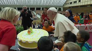 عيد قبل العيد.. البابا فرنسيس يطفئ شمعته الثانية والثمانين