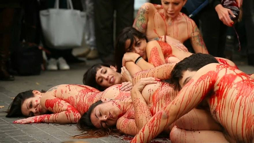Nacktdemo für Tierrechte in Barcelona
