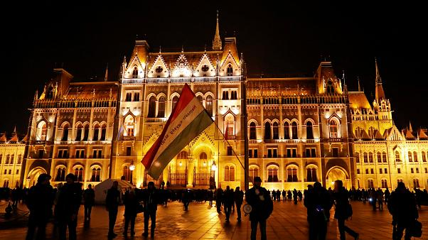 Ουγγαρία: Διαδηλώσεις κατά του «Νόμου των Σκλάβων»