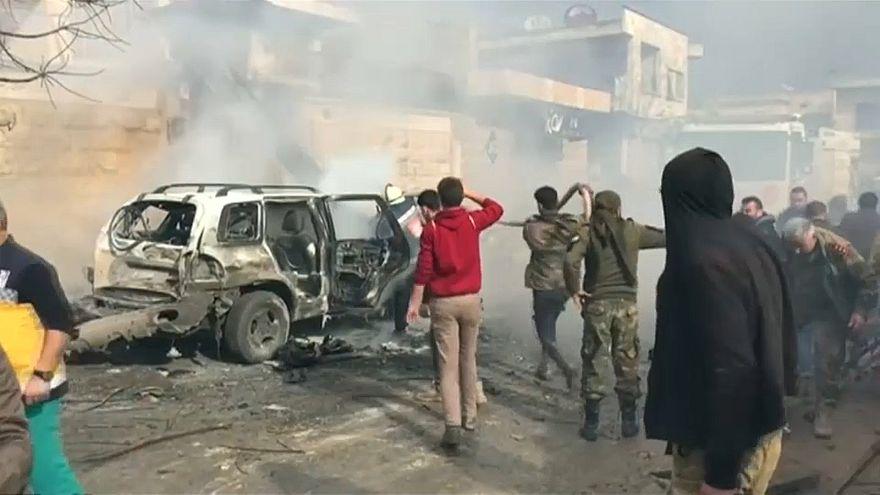 مقتل تسعة في تفجير سيارة ملغومة في مدينة سورية قرب الحدود التركية