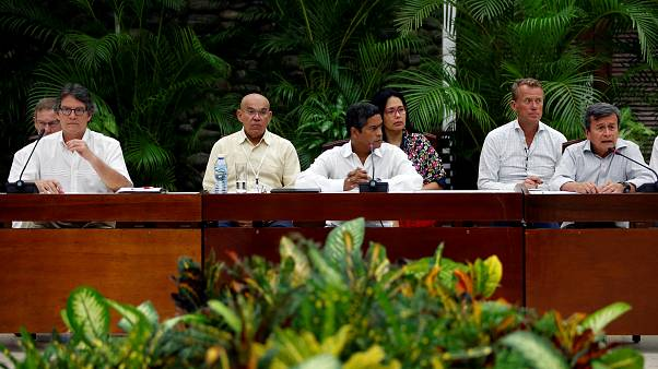 Fotografía de archivo de las negociaciones en Cuba con el ELN