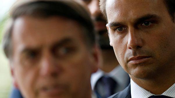 Bolsonaro desmente filho acerca da pena de morte