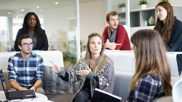 دراسة: زملاء العمل المزعجون قد يؤثرون على صحتك وصحة شريكك في المنزل